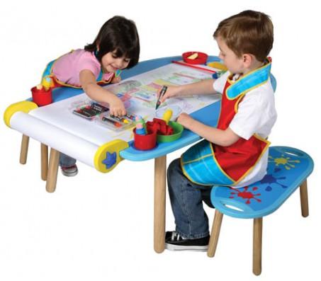 Стол для детского творчества и 2 банкеткиДетские мольберты, доски