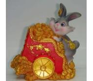 Копилка зайчик на золотой тележке