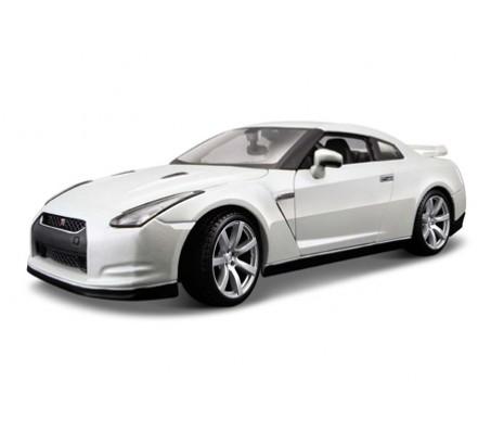 Модель машины  Nissan GT-R 1:18Модели машин